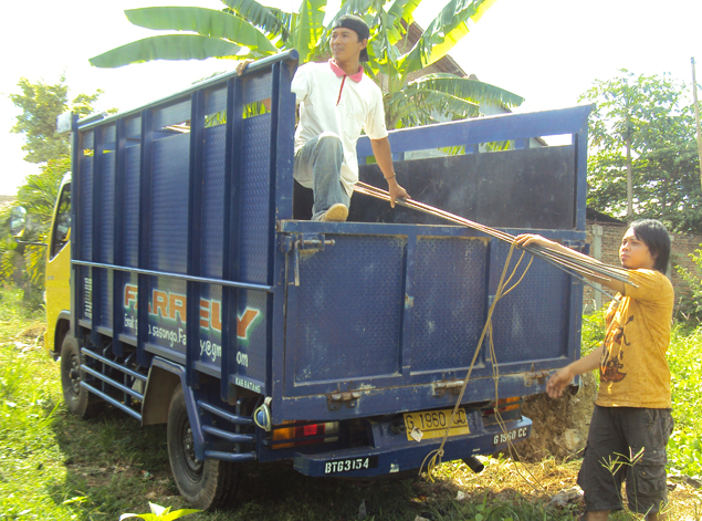 Bahan-besi-Proses-membuat-septic-tank