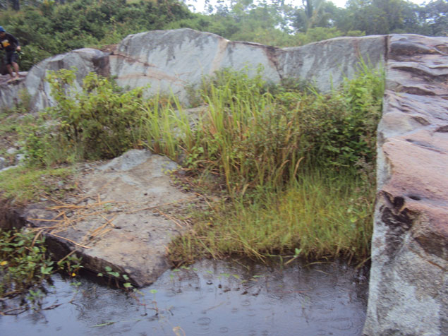 Batu Granit atau Batu Kenteng