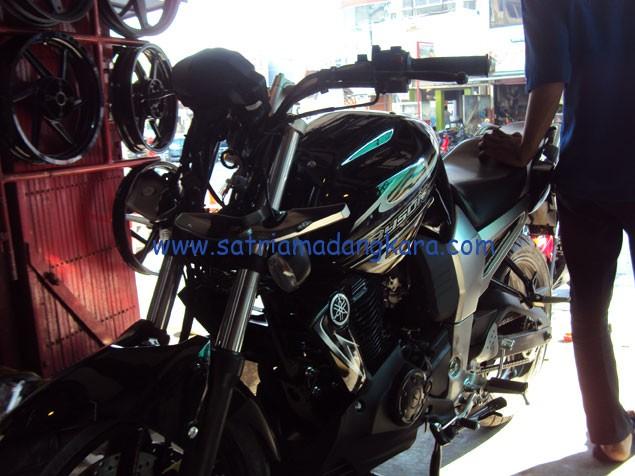 Variasi Standart Motor Yamaha Byson, Sebelum Visor dipasang didepan spidometer
