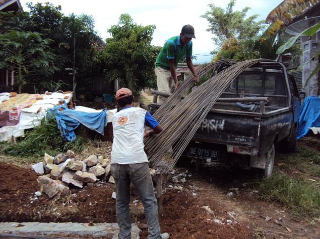 Menyiapkan Kebutuhan Besi untuk Pekerjaan Sloof, Kolom Tiang dan Cor Dak