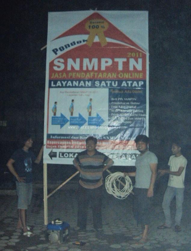SNMPTN 2011 menjelang hari pertama pendaftaran, Pemsangan Baleho Stand.