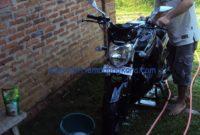 Merawat Body Motor Yamaha Byson sendiri mencuci dengan sabun cuci piring hehe
